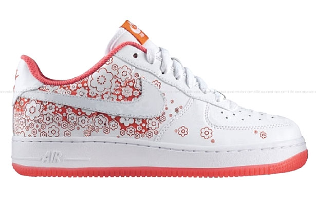 """innovative design 8abfe ec2d6 Nike is set to continue their """"cherry blossom watching"""" tradition with the  Sakura Nike Air Force 1 Low WMNS. A tradition that started with UENO Nike  Air ..."""
