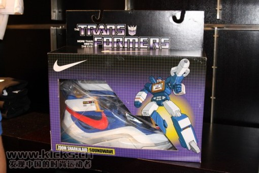 nike-basketball-x-transformers-ii-pack-sharkalaid-3