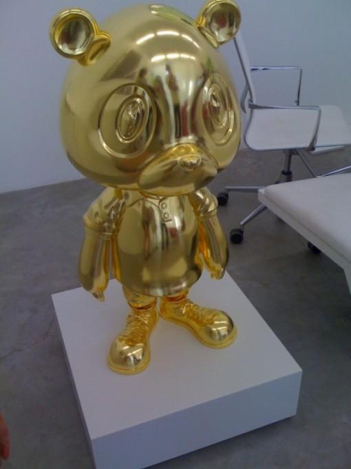 kanye-west-x-takashi-murakami-golden-bear-570x760